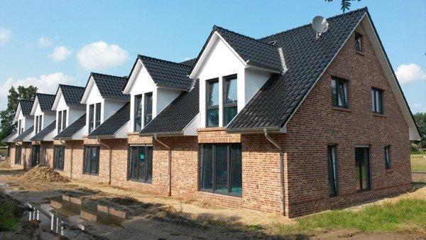 Neuvermietung von 6 Neubaureihenhäusern in Ellerbek bei Hamburg